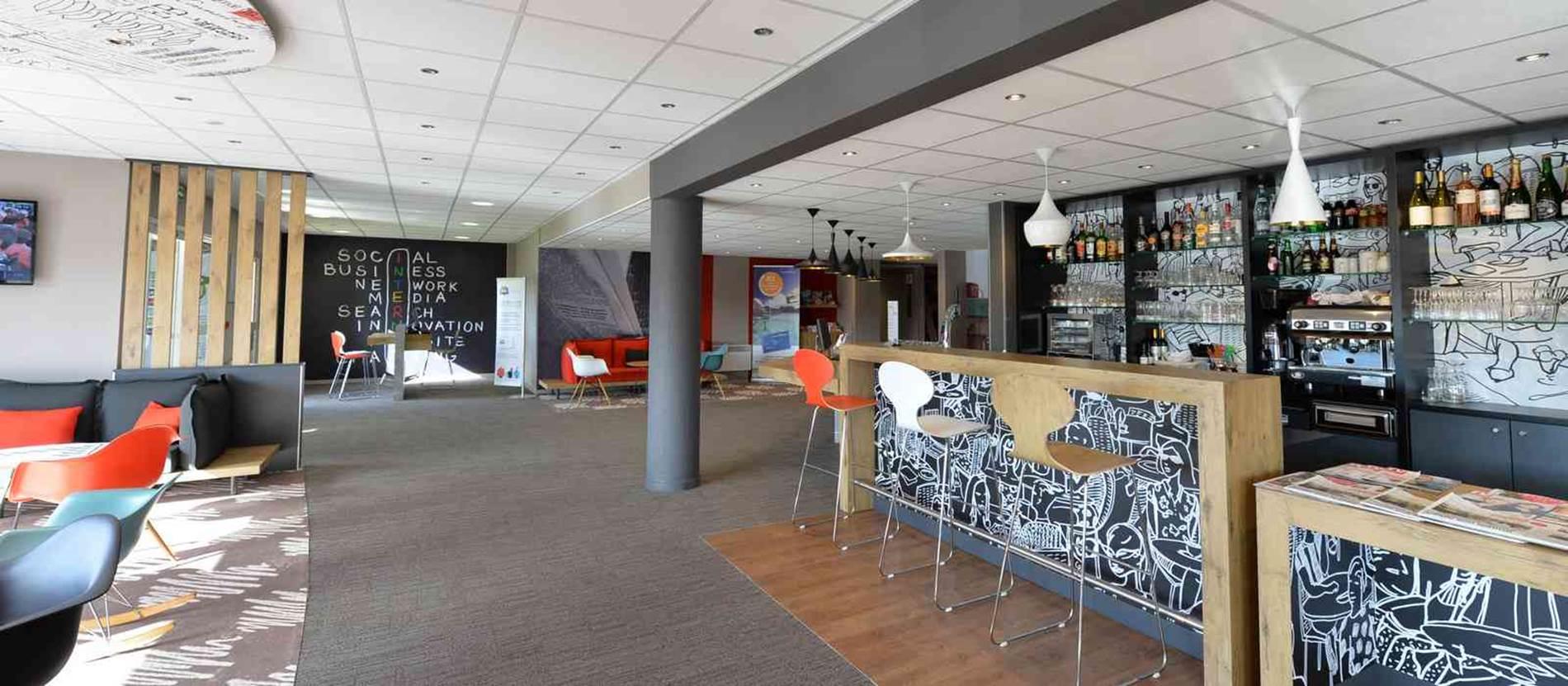 hotel-ibis-auray-bar © hotel-ibis-auray