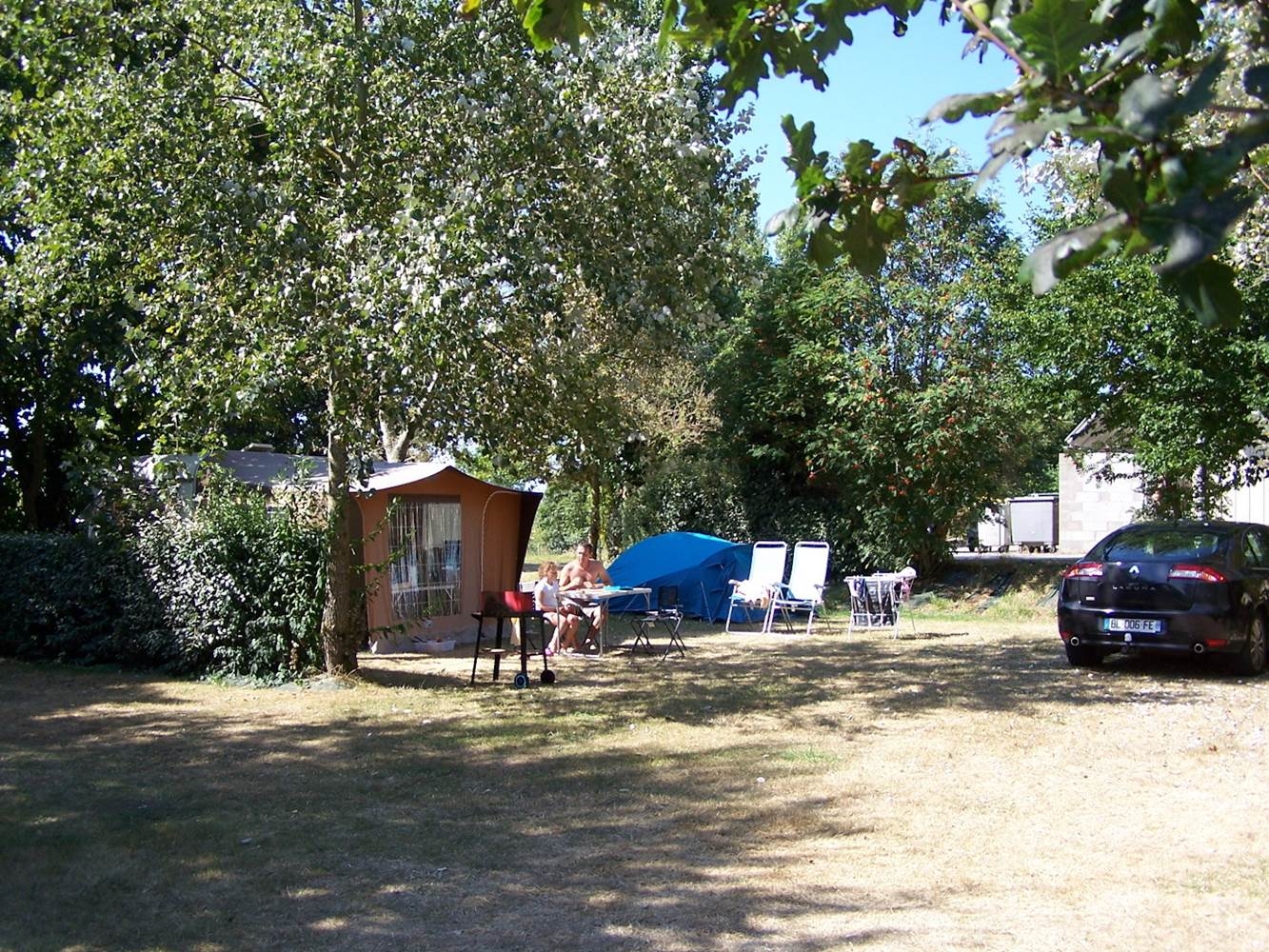 EMPLACEMENT-morbihan-CAMPING-GRANDE-FAMILLE ©