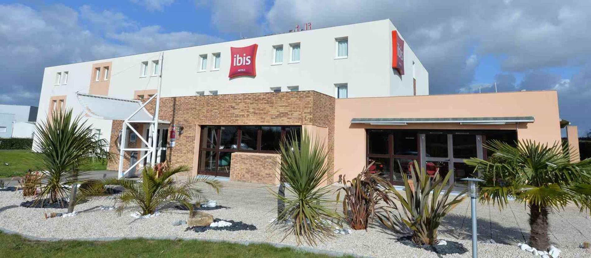 hotel-ibis-auray-extérieur © hotel-ibis-auray