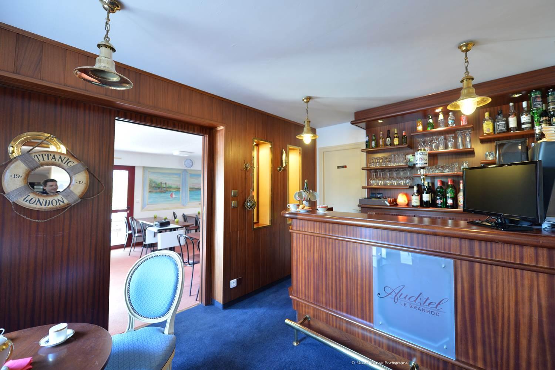 hotel-brithotellogislebranhoc-auray-Morbihan Bretagne Sud-bar © hotel-brithotellogislebranhoc-auray