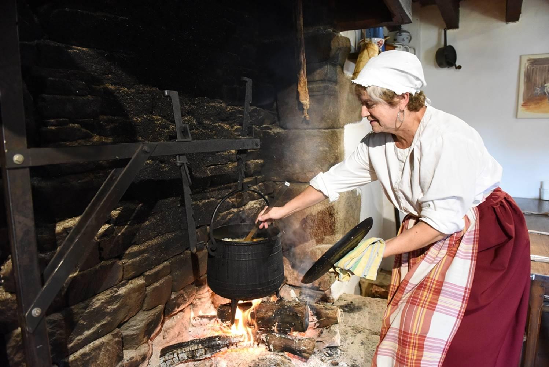 Soupe cuite au feu de bois ©