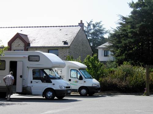 Aire camping-car pr�s de l'Office de Tourisme