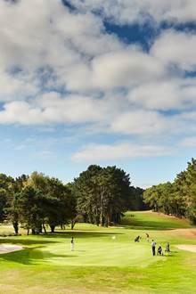 Initiations gratuites, osez le golf avec Le golf Blue Green Saint Laurent
