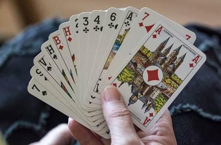 Belote au Joa Casino