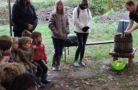 Initiation au breton par l'atelier « Des pommes au jus »
