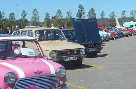 Exposition de voitures anciennes à Ploërmel