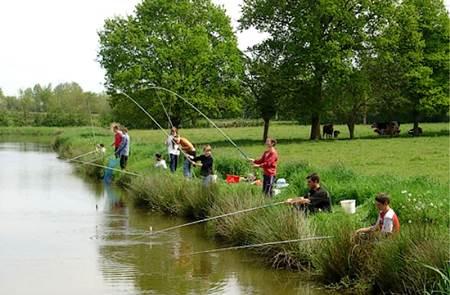 Initiation pêche et découverte du milieu aquatique