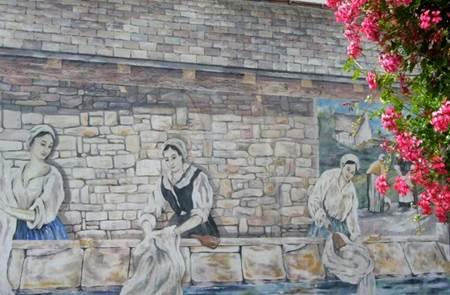 La Fresque des Lavandières à Locminé