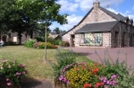 Balades guidées et contées à l'office de tourisme du pays de Mauron en Brocéliande
